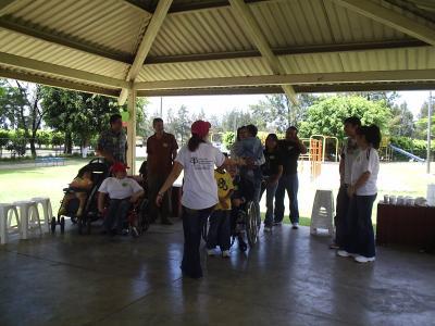 Red de jovenes con espina bífida de la AGEB realiza mañana recreativa de la Asociación Guatemalteca de Espina Bifida AGEB